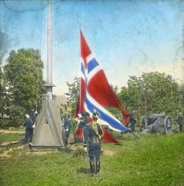 June 7 – The Norwegian Parliament declares the union with Sweden dissolved, and Norway achieves full independence