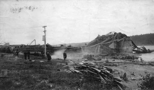 August 29 – The partially completed superstructure of the Quebec Bridge collapses entirely, claiming the lives of 76 workers