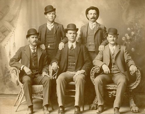 November 6 – Western bandits Butch Cassidy and the Sundance Kid are supposedly killed in Bolivia, after being surrounded by a large group of soldiers.