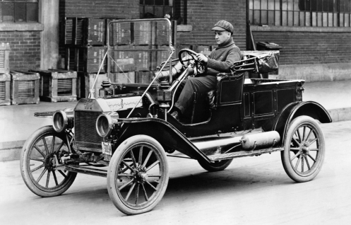 September 27 – Henry Ford produces his first Model T automobile at the Ford Piquette Avenue Plant, in Detroit, Michigan.