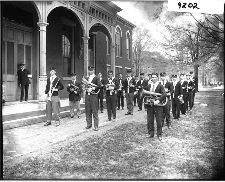 Miami_University_band_members_with_instruments_in_1909_(3200496832)