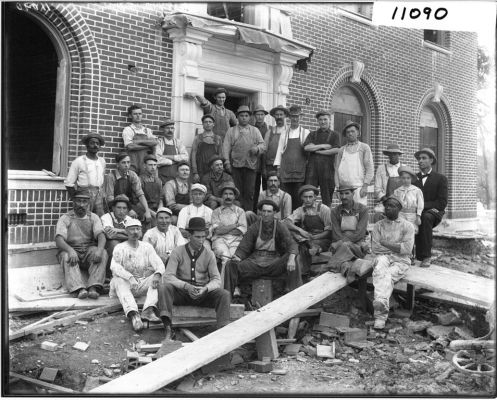 Bishop_Hall_construction_crew_1911_(3191414771)