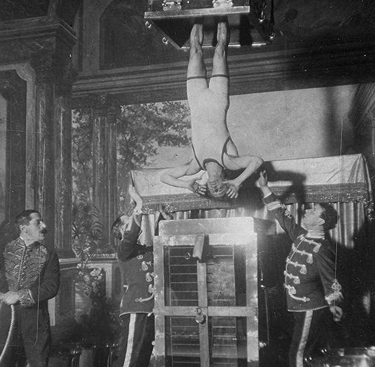 September 21 - Harry Houdini gives the first public performance of his escape from the Chinese Water Torture Cell. The trick, never done before by anyone, required Houdini to get out of a lock
