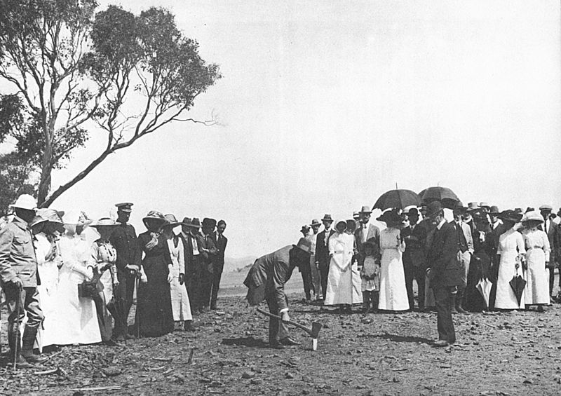 February 20 - The first survey stake for what would become the city of Canberra, capital of Australia, is driven into the ground by King O'Malley, Minister for Home Affairs.