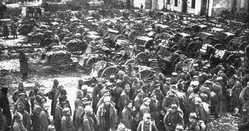 August 30 – At The Battle of Tannenberg, The Russian Second Army is surrounded and defeated.