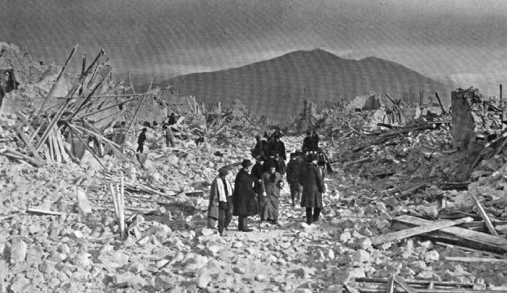 January 13 – The vezzano earthquake shakes L'Aquila in Italy, with a maximum Mercalli intensity of XI (Extreme). Around 30,000 are killed.