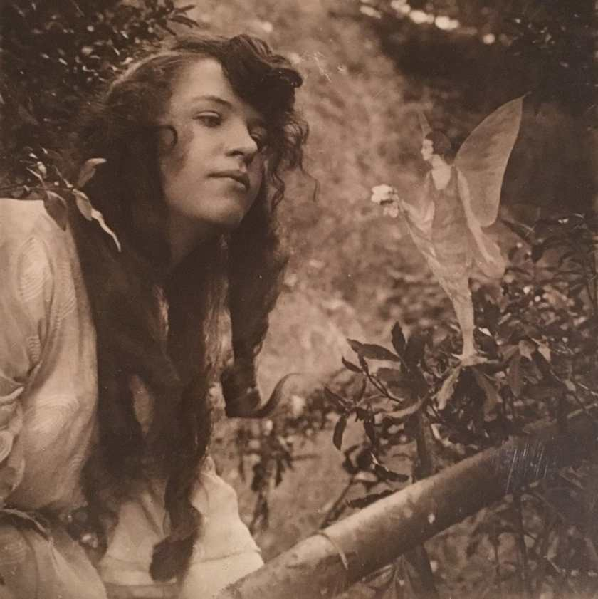 July – The first Cottingley Fairies photographs are taken in Yorkshire, England, apparently depicting fairies(a hoax not admitted by the child creators until 1981).