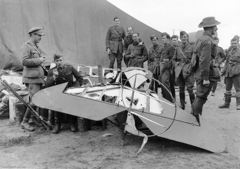 April 21 – Manfred von Richthofen, 'The Red Baron', dies in combat at Morlancourt Ridge near the Somme River