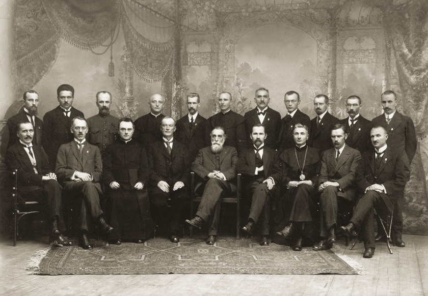 February 16 – The Council of Lithuania adopts the Act of Independence of Lithuania, declaring Lithuania's independence from Russia