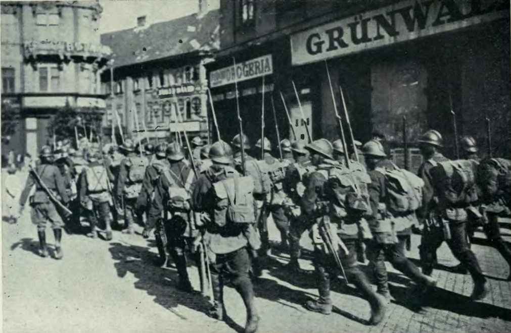 August 4 – The Romanian army occupies Budapest.