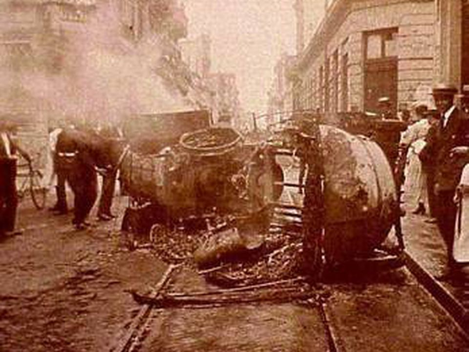 January 7 - The Tragic Week in Argentina, an anarchist uprising in Buenos Aires, begins, it is later suppressed by official forces