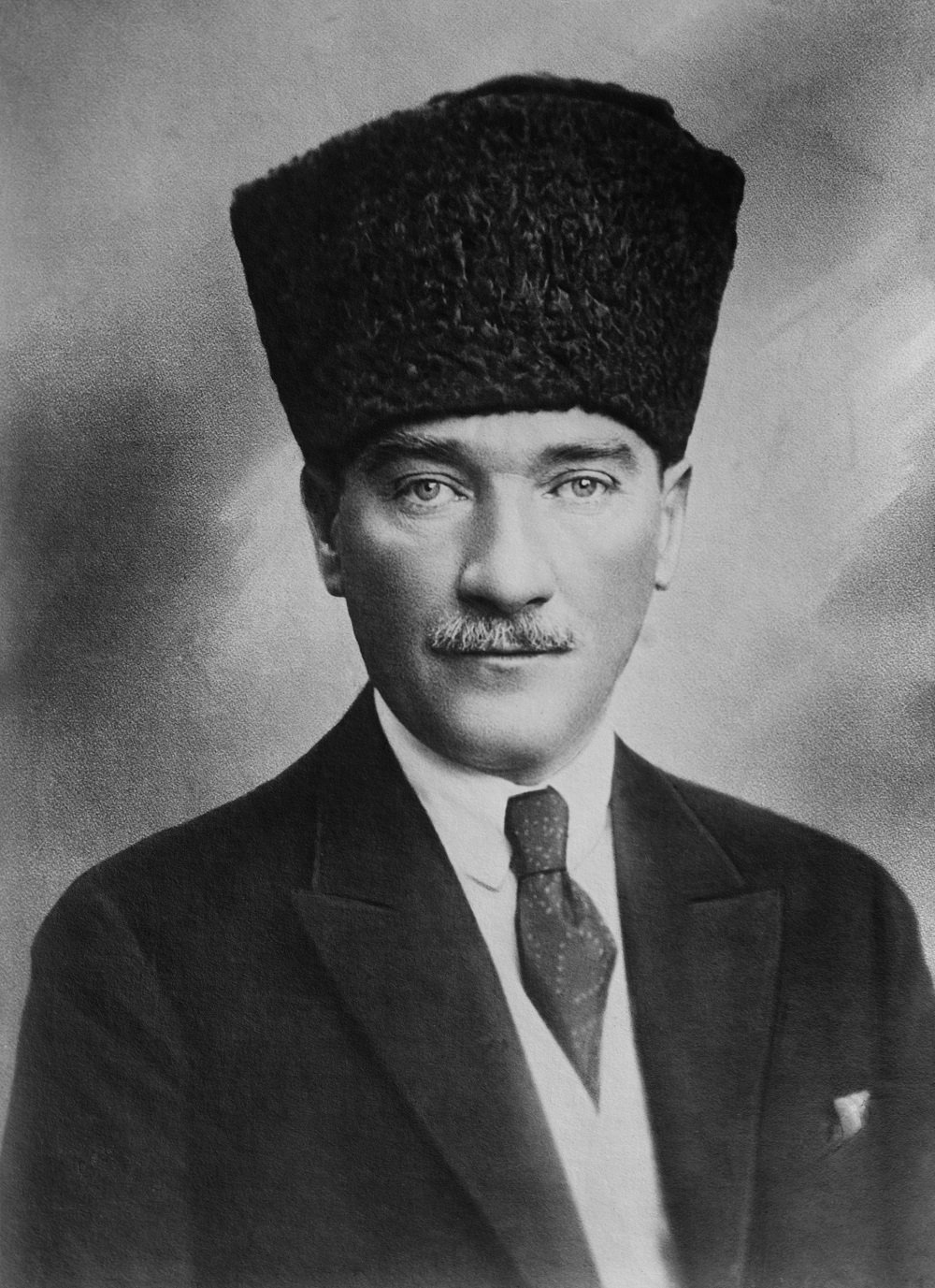 May 19 - Mustafa Kemal Atatürk lands at Samsun on the Anatolian Black Sea coast, marking the start of the Turkish War of Independence.
