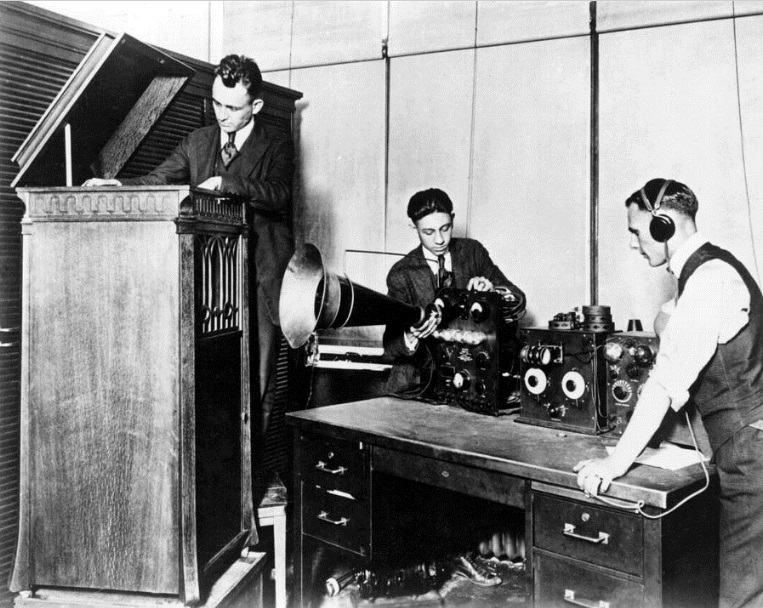 August 20 – The first commercial radio station in the United States, 8MK, begins operations in Detroit