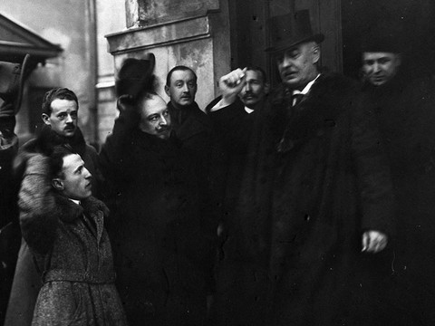 December 9 – Gabriel Narutowicz is elected the first president of Poland.