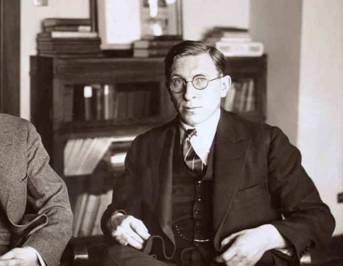 January 11 – The first successful insulin treatment of diabetes is made, by Frederick Banting in Toronto.