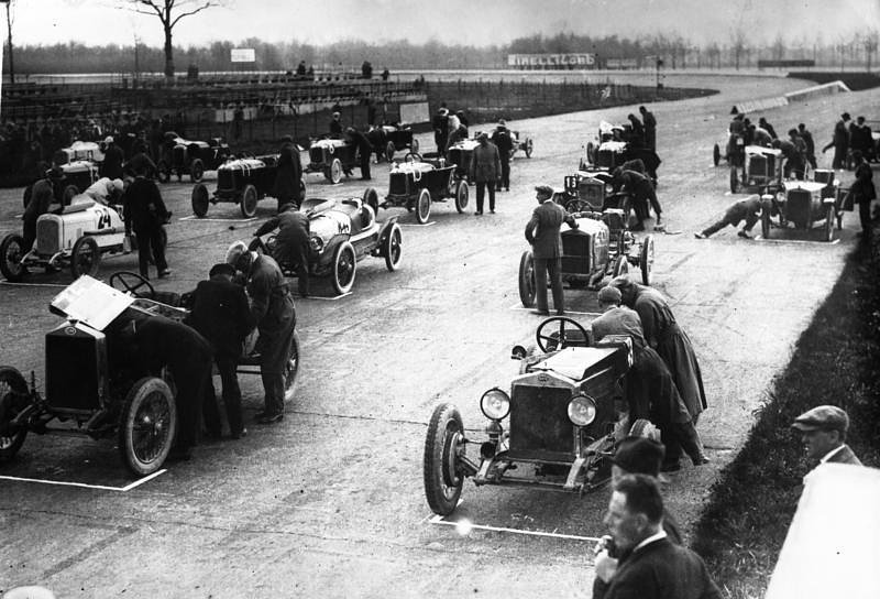 September 3 – The Autodromo Nazionale Monza, the world's third purpose-built motorsport race track, is officially opened at Monza in the Lombardy Region of Italy.