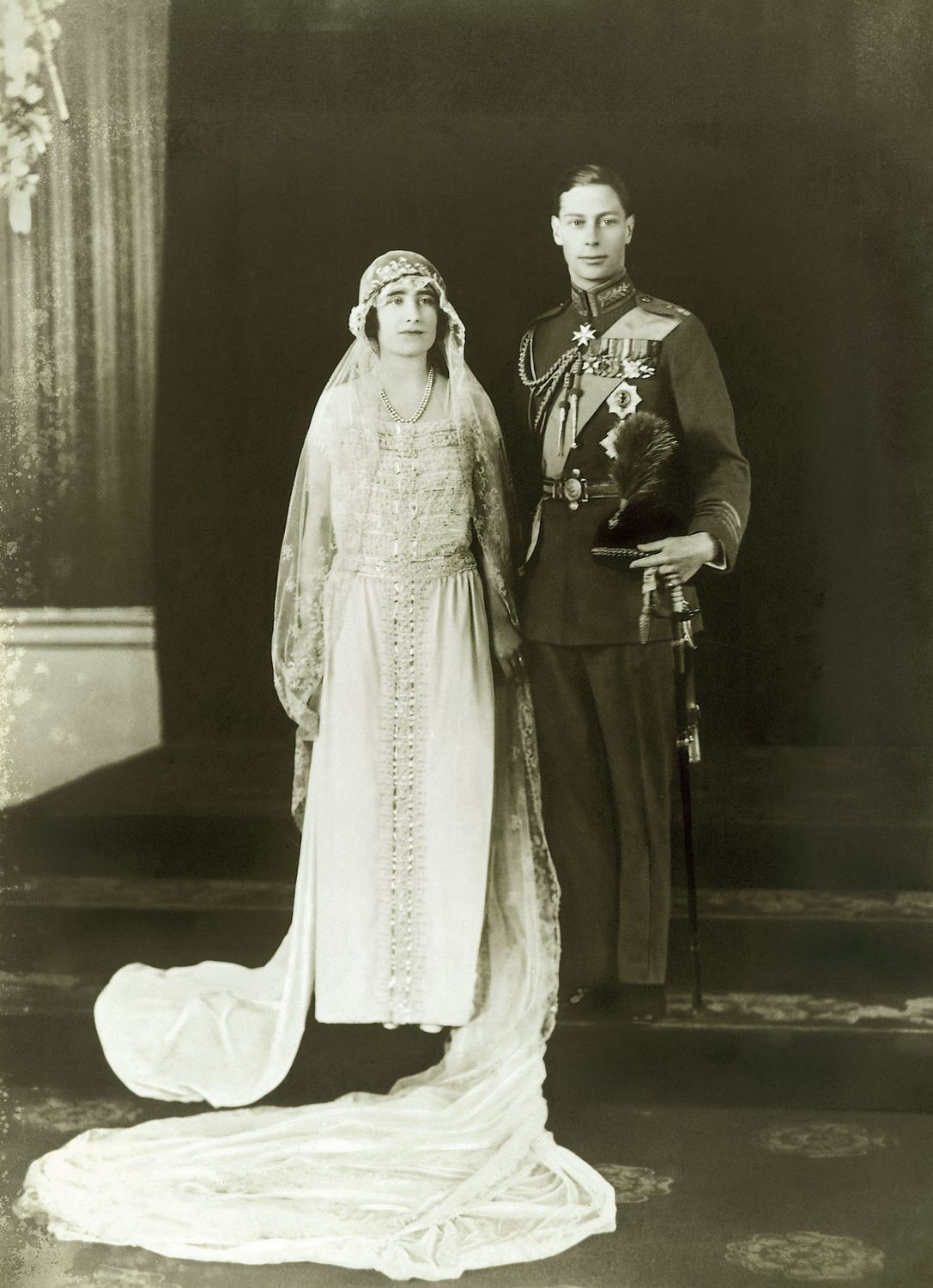April 26 – Prince Albert, Duke of York (later George VI) marries Lady Elizabeth Bowes-Lyon (later Queen Elizabeth The Queen Mother) in Westminster Abbey.