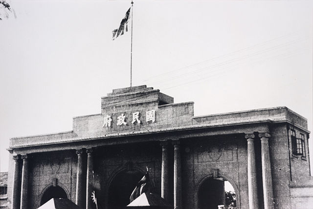 March 24 – After six foreigners have been killed in Nanking, warships of the U.S. Navy and the British Royal Navy fire shells and shot to disperse the crowds.