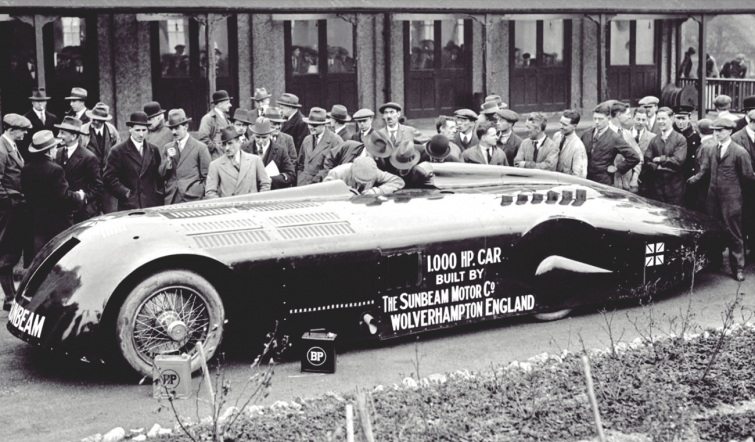 March 29 – Henry Segrave breaks the land speed record, driving the Sunbeam 1000 hp at Daytona Beach, Florida.